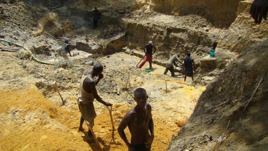 非洲金矿开采1.jpg