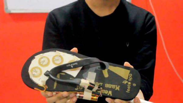印度小哥发明电击鞋 可以电击色狼并报警