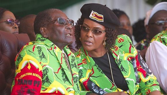 津巴布韦总统遭军方软禁.jpg