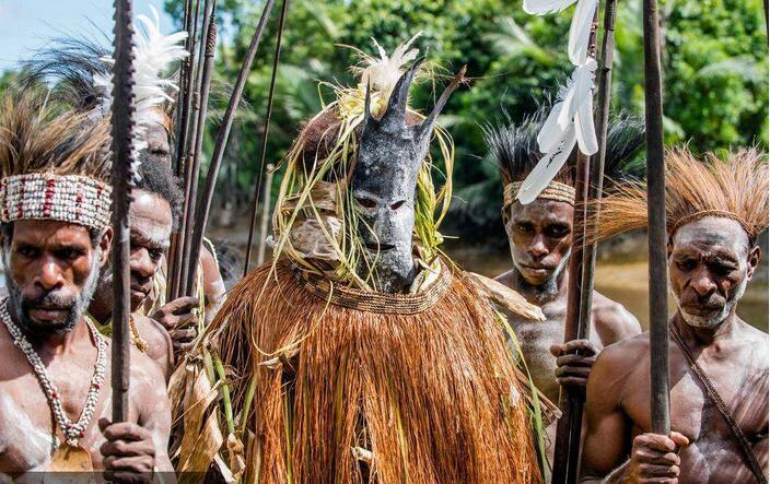 巴布亚新几内亚巫术1.jpg