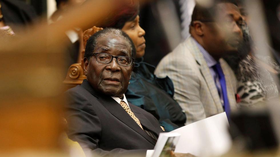 津巴布韦总统穆加比拒绝辞职