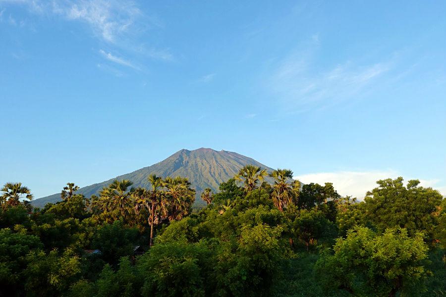 巴厘岛阿贡火山即将爆发