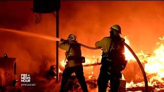 美国加州山林大火致居民撤离