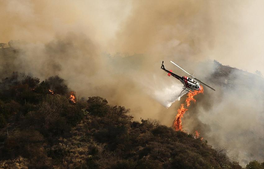 南加州林火肆虐 洛杉矶告急.jpg