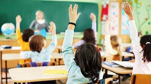 研究发现 家庭条件不好的孩子在课堂上会更加'恭敬'