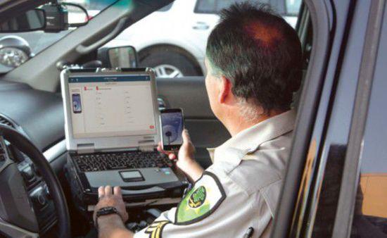 文本分析仪或可检测司机驾驶时是否分心