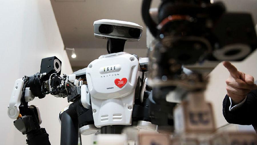 机器人招聘系统的人类偏见.jpg