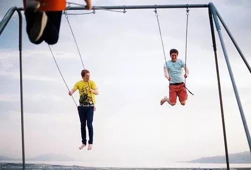 元旦假期朋友圈被十八岁照片刷屏