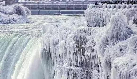 美国遭遇极寒天气.jpg