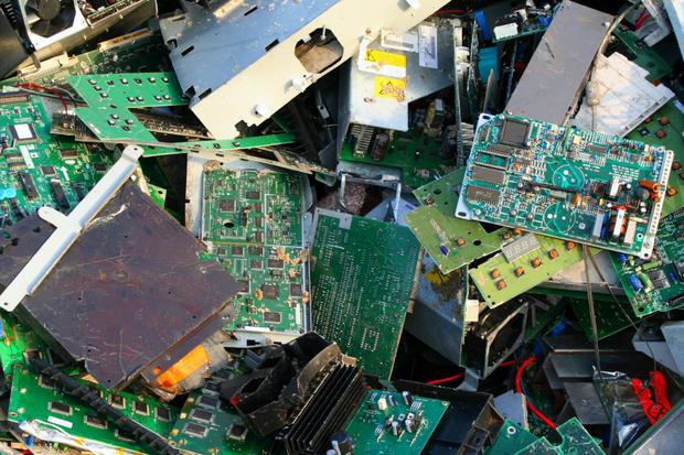 电子产品带来大量垃圾 仅两成被回收