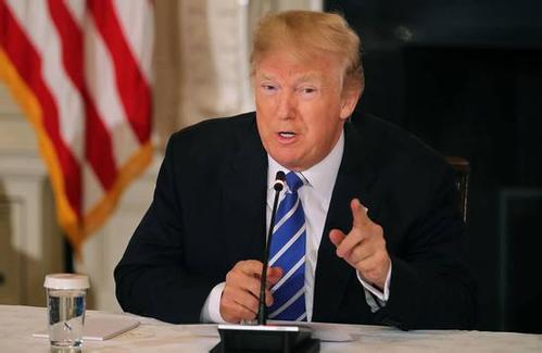 特朗普将对进口钢铝征收重税.jpg