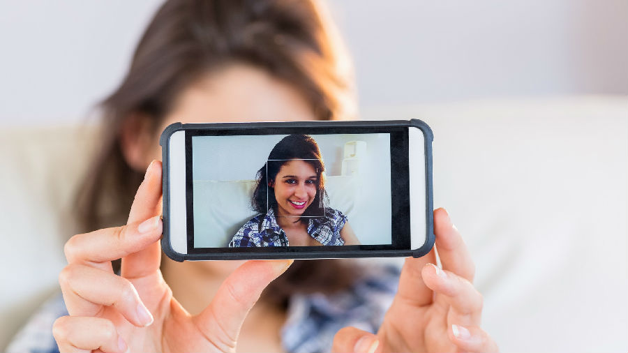 研究显示 自拍照让你的鼻子更显大