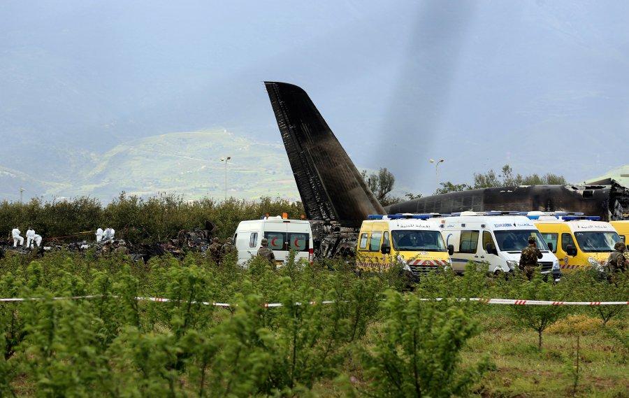 阿尔及利亚军机坠毁 数百人丧生