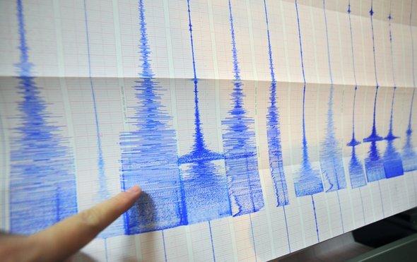 用光纤监测地震.jpg