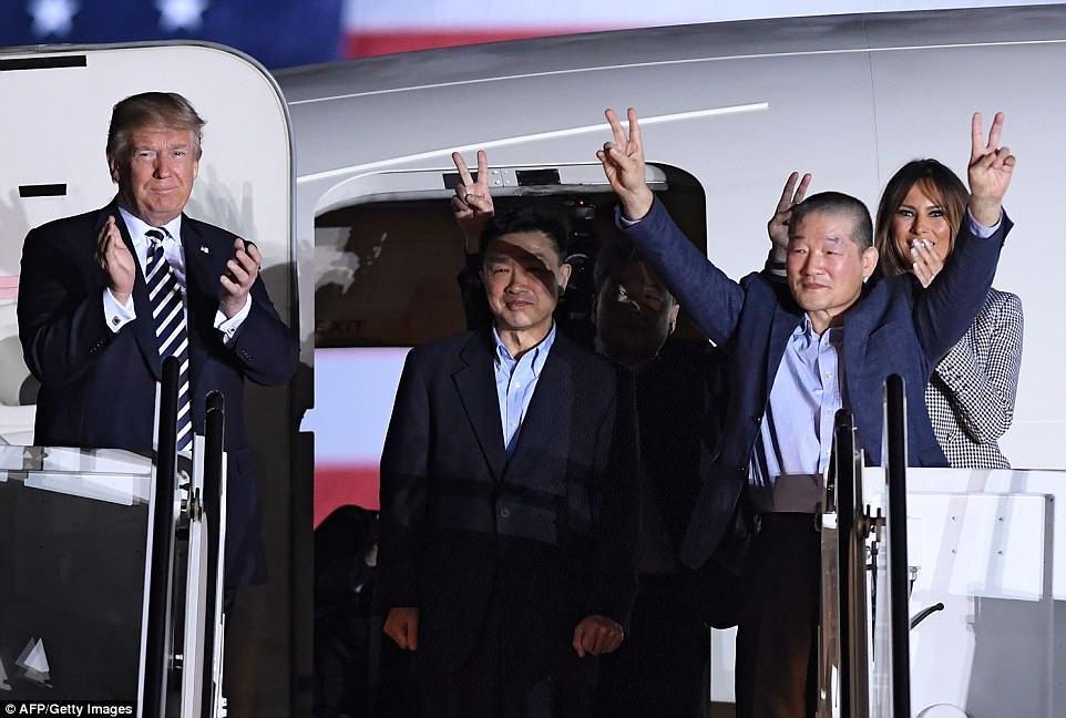 BBC双语新闻讲解附字幕:朝鲜释放三名被关押