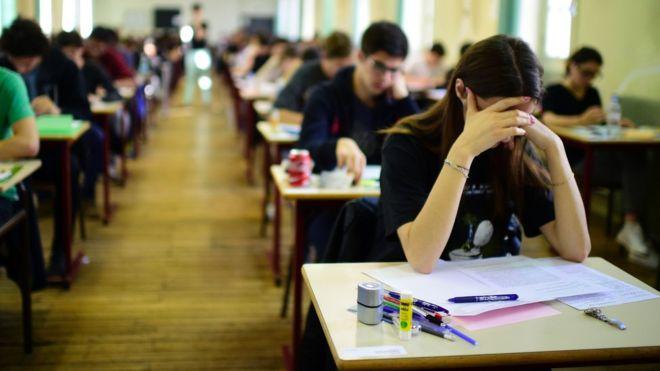 德国3万多名学生网上请愿 抱怨高考英语太难