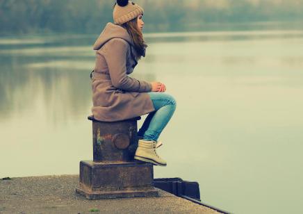 调查揭示 孤独已成为美国的一大'流行病'
