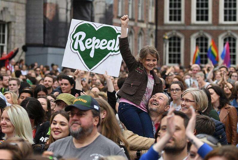 爱尔兰公投废除堕胎禁令.jpg