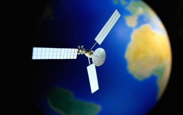 卫星1.jpg