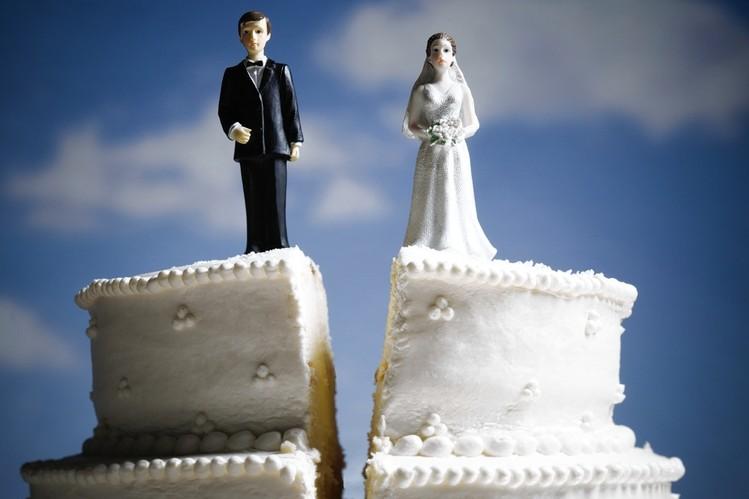 中国夫妻离婚还要参加考试?