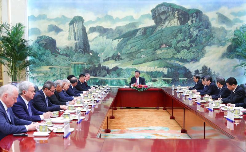 国家主席习近平在北京人民大会堂集体会见来华出席上海合作组织成员国安全会议秘书第十三次会议的外方代表团团长.jpg