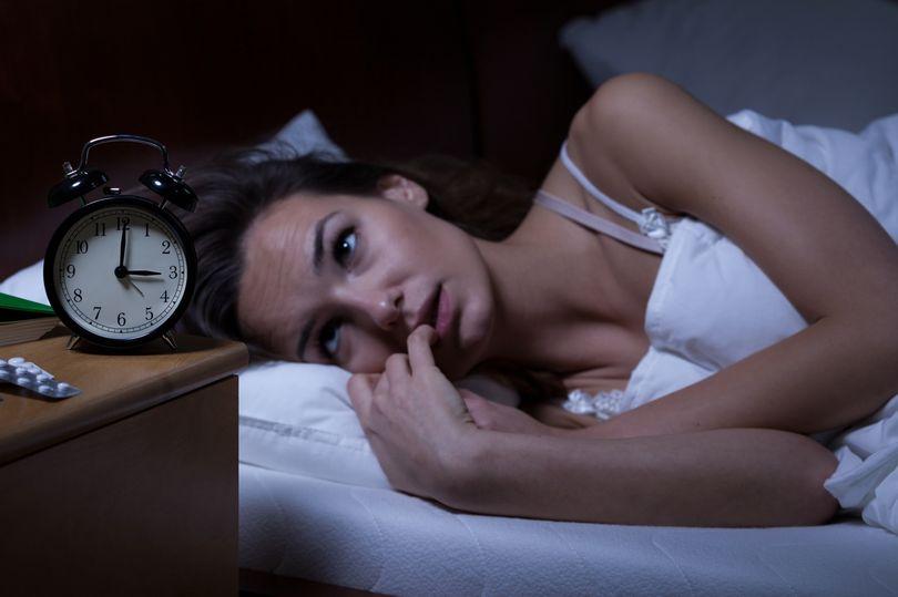 晚上睡不好或导致抑郁.jpg