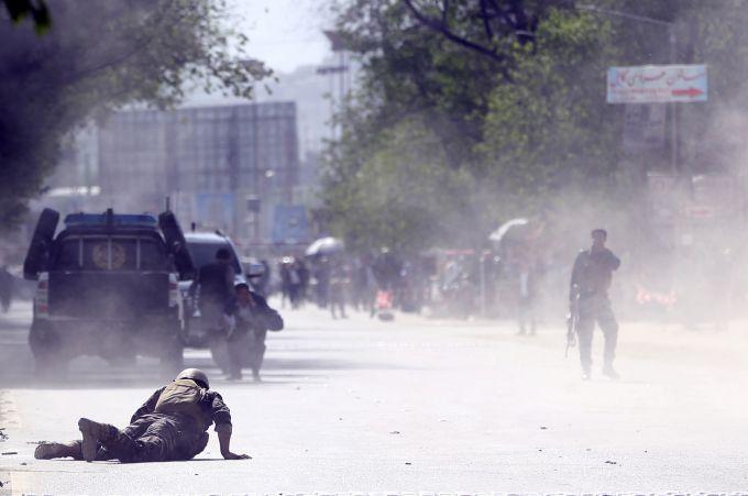 阿富汗首都喀布尔接连发生两起爆炸袭击.jpg
