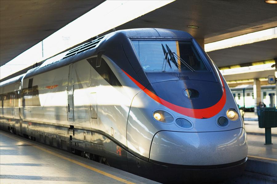 列车晚点,铁路公司还免费派发冰棍.jpg