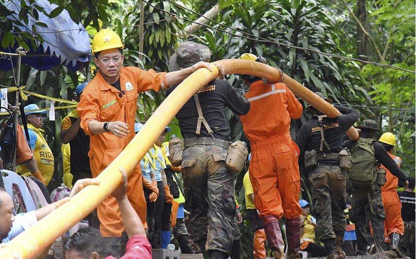 泰国被困少年足球队全员获救.jpg