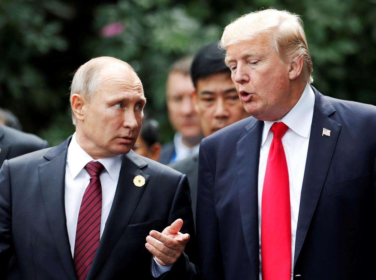 赴会北约 特朗普谈与普京会晤.jpg