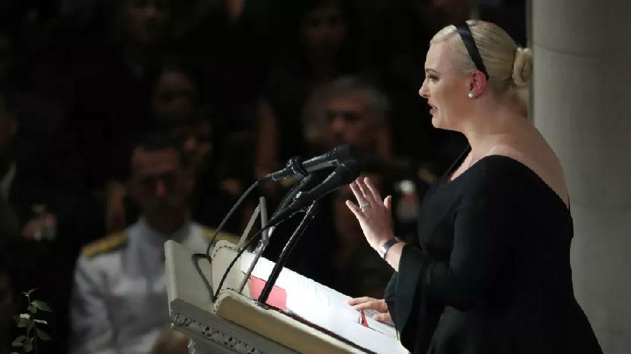 麦凯恩女儿悼词中抨击特朗普.jpg