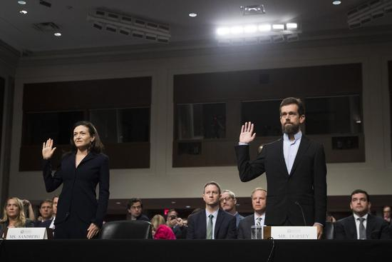 脸谱网首席运营官雪莉·桑德伯格和推特首席执行官杰克·多西出席参议院情报委员会听证会.jpeg
