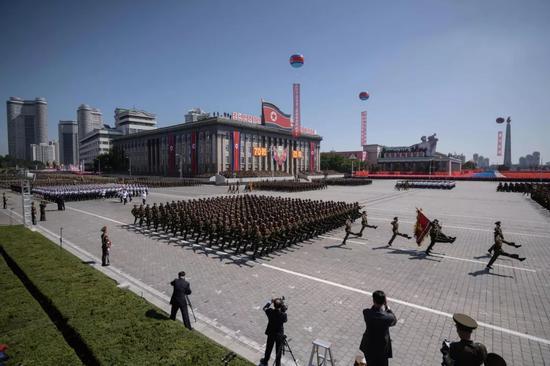 朝鲜国庆70周年阅兵.jpg
