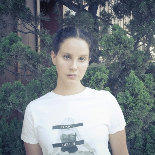 欧美新歌速递 第1089期:Mariners Apartment Complex-Lana Del Rey_英文歌曲