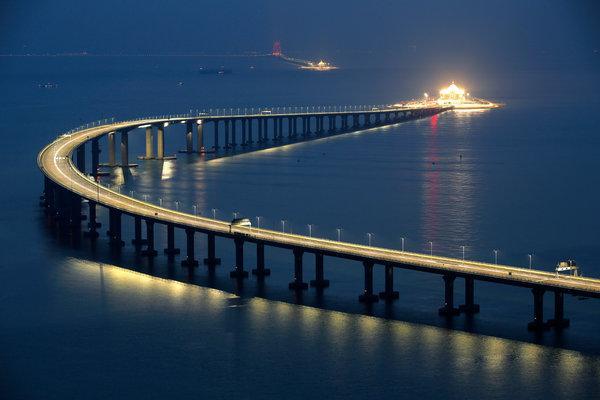 港珠澳大桥通车.jpg