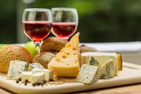 和奶酪最搭的红酒