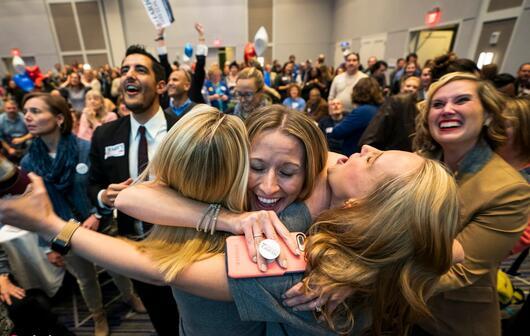 美国中期选举女性崛起令人瞩目.jpg
