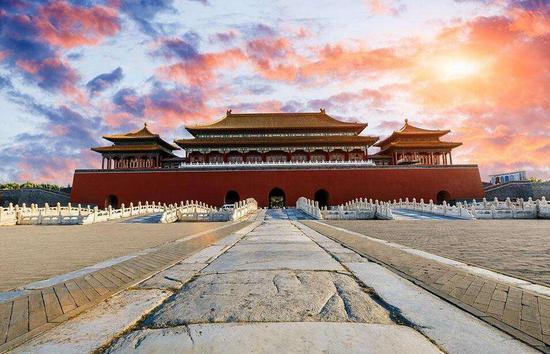 2030年中国将成世界头号旅游目的地.jpg