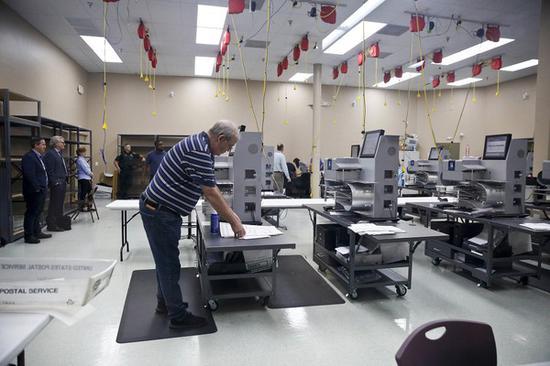 佛州已经开始机器重新计票.jpg