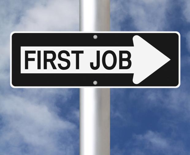 调查显示 七成人满意其首份工作