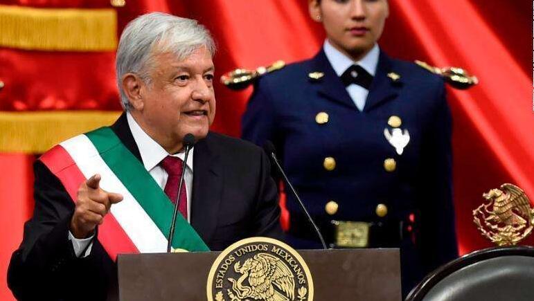 墨西哥新任总统:以普通人身份就职.jpg