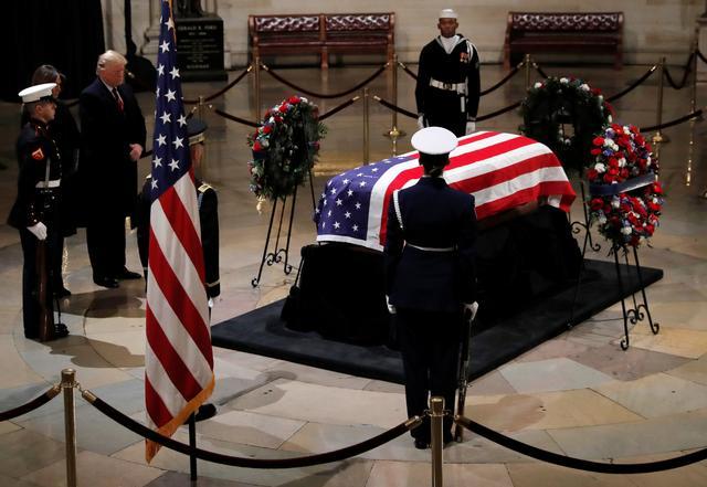 美国为前总统老布什举行国葬.jpg