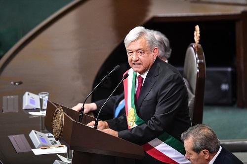 墨西哥总统叫停备受争议的教育改革.jpg
