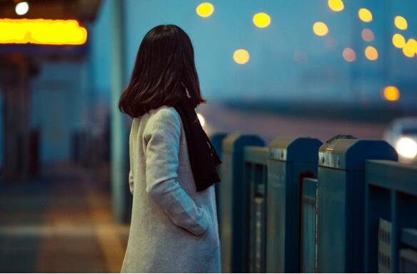 中国年轻人如何排解压力?.jpg