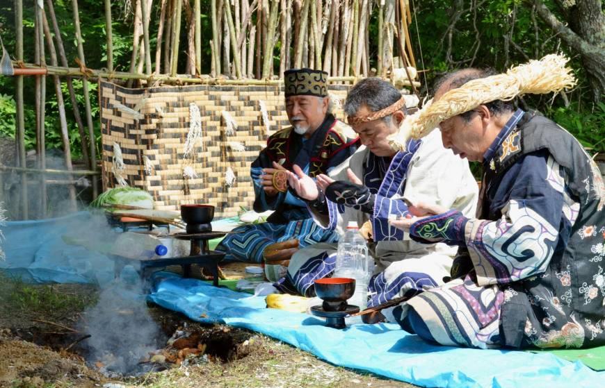 日本政府首次承认阿伊努族身份.jpg