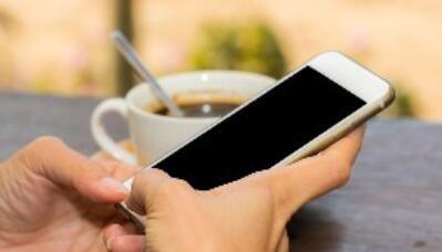 刷手机.jpg
